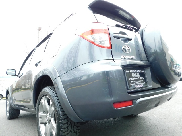 2011 Toyota RAV4 Sport / SUV / AWD / Sunroof / Low Miles / Excel Co - Photo 8 - Portland, OR 97217