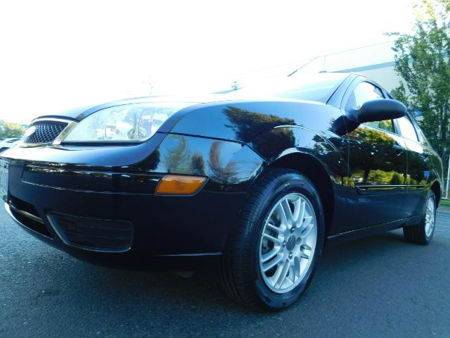 2007 Ford Focus ZX4 SE / 4Dr / Sunroof / New Tires - Photo 11 - Portland, OR 97217