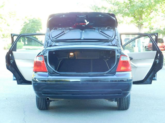 2007 Ford Focus ZX4 SE / 4Dr / Sunroof / New Tires - Photo 28 - Portland, OR 97217