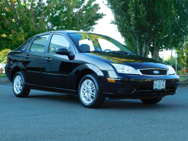 2007 Ford Focus ZX4 SE / 4Dr / Sunroof / New Tires - Photo 2 - Portland, OR 97217