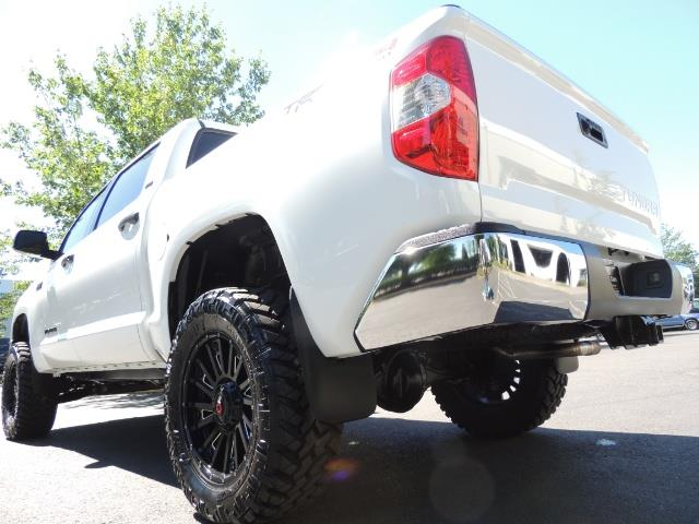 2016 Toyota Tundra SR5 / TRD OFF RD / 4X4 / 1-OWNER/ LIFTED - Photo 11 - Portland, OR 97217