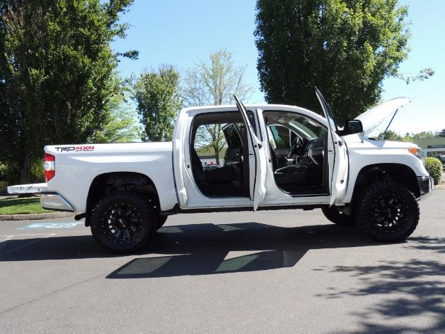2016 Toyota Tundra SR5 / TRD OFF RD / 4X4 / 1-OWNER/ LIFTED - Photo 29 - Portland, OR 97217