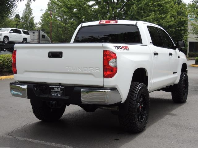 2016 Toyota Tundra SR5 / TRD OFF RD / 4X4 / 1-OWNER/ LIFTED - Photo 8 - Portland, OR 97217