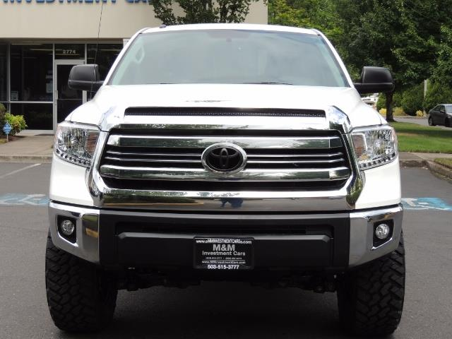 2016 Toyota Tundra SR5 / TRD OFF RD / 4X4 / 1-OWNER/ LIFTED - Photo 5 - Portland, OR 97217
