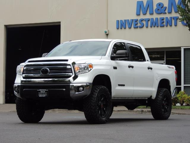 2016 Toyota Tundra SR5 / TRD OFF RD / 4X4 / 1-OWNER/ LIFTED - Photo 49 - Portland, OR 97217