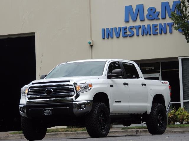 2016 Toyota Tundra SR5 / TRD OFF RD / 4X4 / 1-OWNER/ LIFTED - Photo 1 - Portland, OR 97217