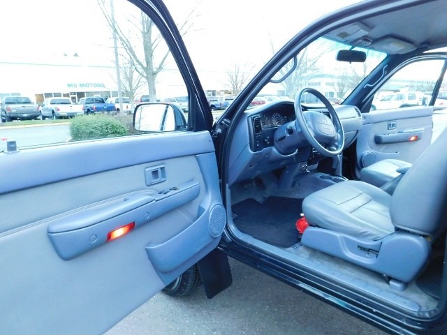 1998 Toyota Tacoma Prerunner Extra Cab / 4Cyl / Leather / Excel Cond - Photo 13 - Portland, OR 97217
