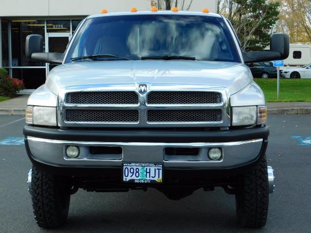 2001 Dodge Ram 3500 4x4 DUALLY / 5.9 CUMMINS DIESEL / 6-SPEED / LIFTED - Photo 5 - Portland, OR 97217