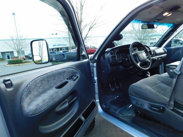2001 Dodge Ram 3500 4x4 DUALLY / 5.9 CUMMINS DIESEL / 6-SPEED / LIFTED - Photo 13 - Portland, OR 97217