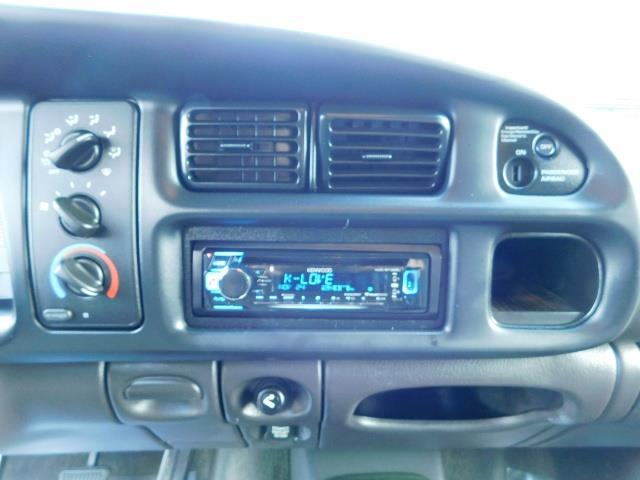 2001 Dodge Ram 3500 4x4 DUALLY / 5.9 CUMMINS DIESEL / 6-SPEED / LIFTED - Photo 33 - Portland, OR 97217