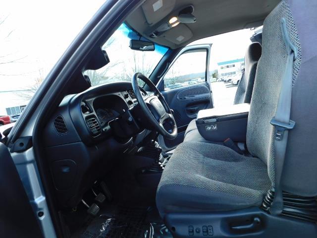 2001 Dodge Ram 3500 4x4 DUALLY / 5.9 CUMMINS DIESEL / 6-SPEED / LIFTED - Photo 31 - Portland, OR 97217