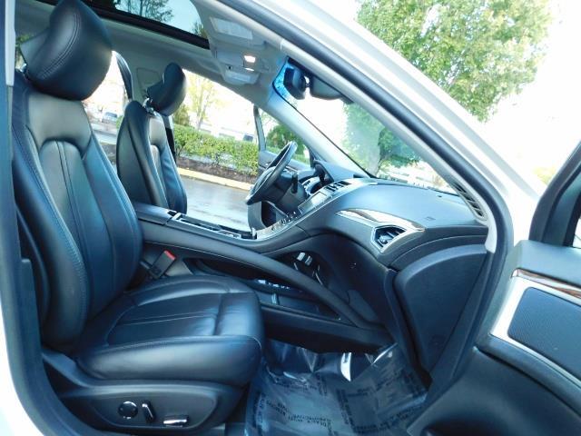2013 Lincoln MKZ Hybrid Hybrid Sedan / Nav / Parking assist / 1-OWNER - Photo 17 - Portland, OR 97217