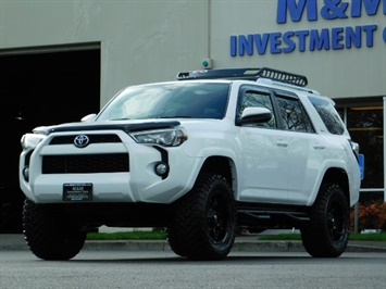 2017 Toyota 4Runner SR5 4x4 / 3RD SEAT / FUEL WHEELS / RACK / LIFTED