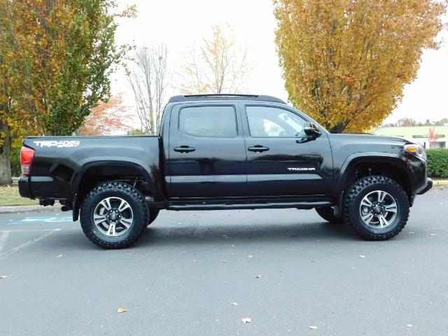 2016 Toyota Tacoma TRD Sport / 4X4 / Navigation / Backup / LIFTED - Photo 4 - Portland, OR 97217