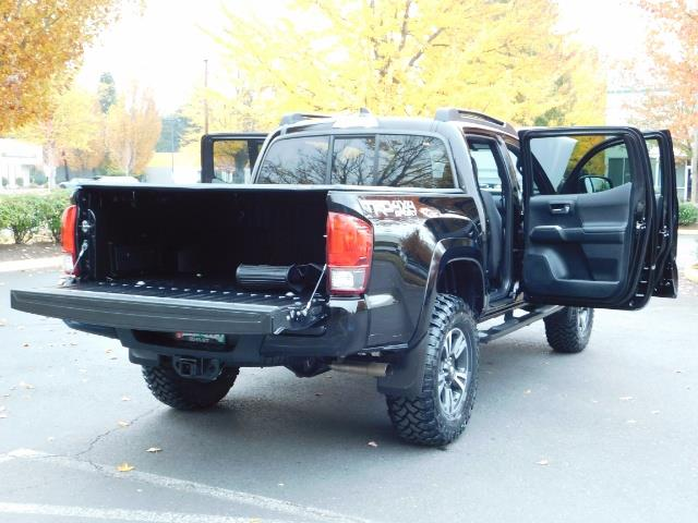 2016 Toyota Tacoma TRD Sport / 4X4 / Navigation / Backup / LIFTED - Photo 29 - Portland, OR 97217