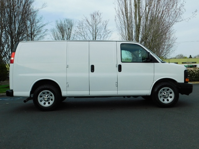 2014 Chevrolet Express 1500 / Cargo Van / 6Cyl / 1-Owner / Execl Cond - Photo 4 - Portland, OR 97217