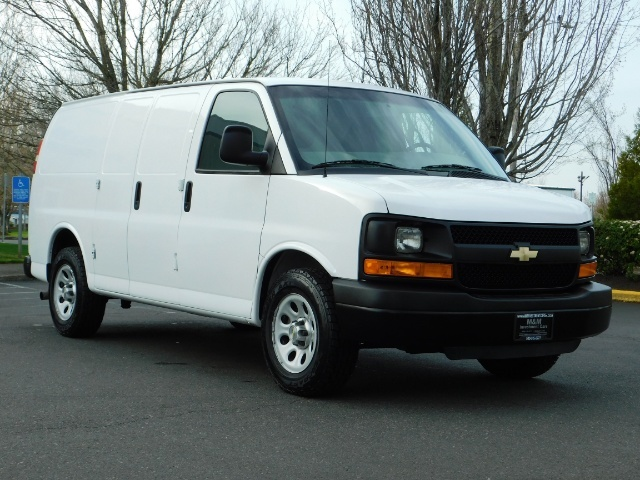 2014 Chevrolet Express 1500 / Cargo Van / 6Cyl / 1-Owner / Execl Cond - Photo 2 - Portland, OR 97217