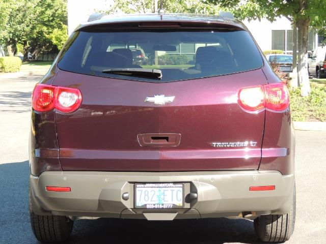 2010 Chevrolet Traverse LT ALL Wheel Drive / 8-seater / ONLY 67,000 MILES - Photo 6 - Portland, OR 97217