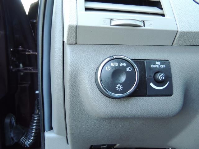 2010 Chevrolet Traverse LT ALL Wheel Drive / 8-seater / ONLY 67,000 MILES - Photo 38 - Portland, OR 97217
