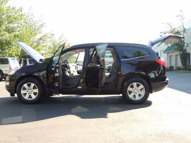 2010 Chevrolet Traverse LT ALL Wheel Drive / 8-seater / ONLY 67,000 MILES - Photo 22 - Portland, OR 97217