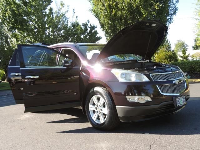 2010 Chevrolet Traverse LT ALL Wheel Drive / 8-seater / ONLY 67,000 MILES - Photo 28 - Portland, OR 97217