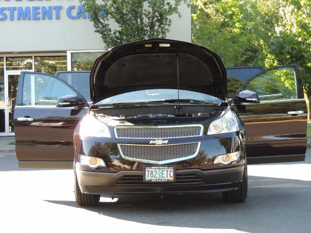 2010 Chevrolet Traverse LT ALL Wheel Drive / 8-seater / ONLY 67,000 MILES - Photo 29 - Portland, OR 97217