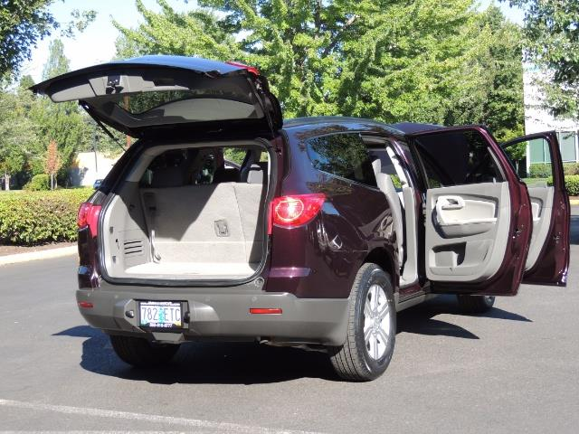 2010 Chevrolet Traverse LT ALL Wheel Drive / 8-seater / ONLY 67,000 MILES - Photo 27 - Portland, OR 97217