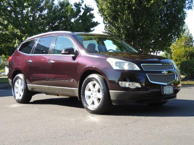2010 Chevrolet Traverse LT ALL Wheel Drive / 8-seater / ONLY 67,000 MILES - Photo 2 - Portland, OR 97217