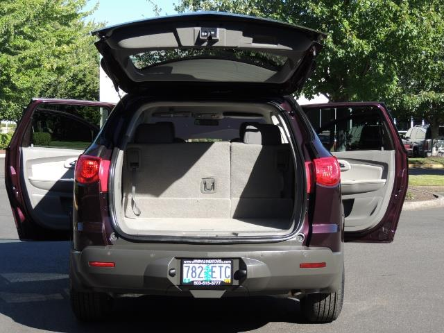 2010 Chevrolet Traverse LT ALL Wheel Drive / 8-seater / ONLY 67,000 MILES - Photo 26 - Portland, OR 97217