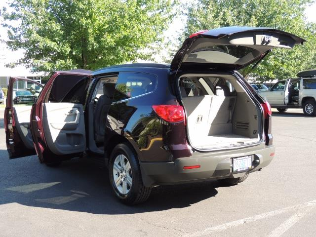 2010 Chevrolet Traverse LT ALL Wheel Drive / 8-seater / ONLY 67,000 MILES - Photo 25 - Portland, OR 97217