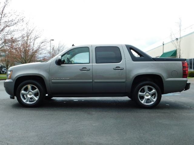 2009 Chevrolet Avalanche LT 4WD 5.3Liter Pickup LOW MILES EXCL COND - Photo 4 - Portland, OR 97217