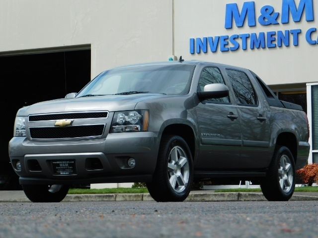2009 Chevrolet Avalanche LT 4WD 5.3Liter Pickup LOW MILES EXCL COND - Photo 1 - Portland, OR 97217
