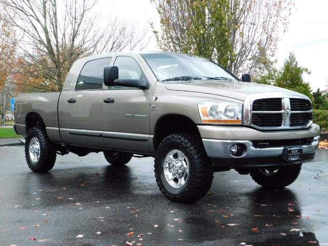 2006 Dodge Ram 2500 SLT Mega Cab / 4X4 / 5.9L Cummins DIESEL 1-OWNER - Photo 2 - Portland, OR 97217