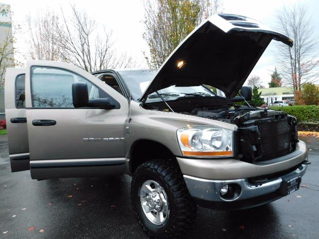 2006 Dodge Ram 2500 SLT Mega Cab / 4X4 / 5.9L Cummins DIESEL 1-OWNER - Photo 30 - Portland, OR 97217