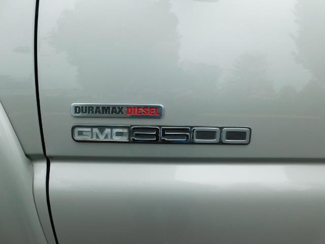 2005 GMC Sierra 3500 SLT 4dr Crew Cab / 4X4 / DIESEL / LIFTED / 1-OWNER - Photo 43 - Portland, OR 97217