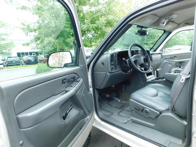 2005 GMC Sierra 3500 SLT 4dr Crew Cab / 4X4 / DIESEL / LIFTED / 1-OWNER - Photo 13 - Portland, OR 97217