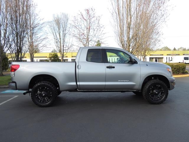 2013 Toyota Tundra Double Cab / 4X4 / 4.6L 8Cyl / LIFTED LIFTED   Photo