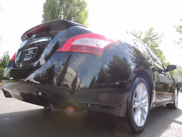 2010 Nissan Maxima 3.5 SV Heated+Cooled Leather / PANO ROOF / 1-OWNER - Photo 12 - Portland, OR 97217