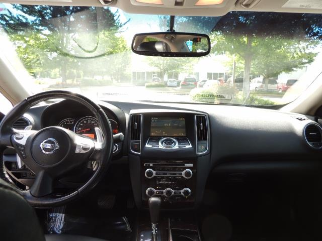 2010 Nissan Maxima 3.5 SV Heated+Cooled Leather / PANO ROOF / 1-OWNER - Photo 32 - Portland, OR 97217