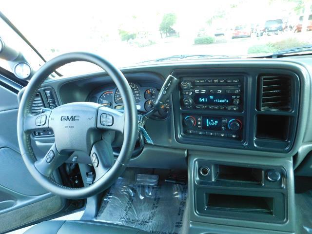 2005 GMC Sierra 2500 SLT 4dr Crew Cab / 4X4 / 6.6L DURAMX DIESEL / LIFT - Photo 18 - Portland, OR 97217