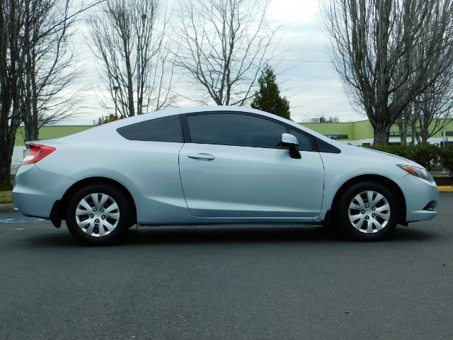 2012 Honda Civic LX Coupe 2Dr / Automatic / Excel Cond - Photo 4 - Portland, OR 97217
