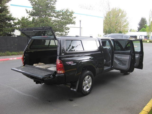 2008 Toyota Tacoma V6/ Double Cab/4WD/ Long Bed / TRD Sport - Photo 12 - Portland, OR 97217