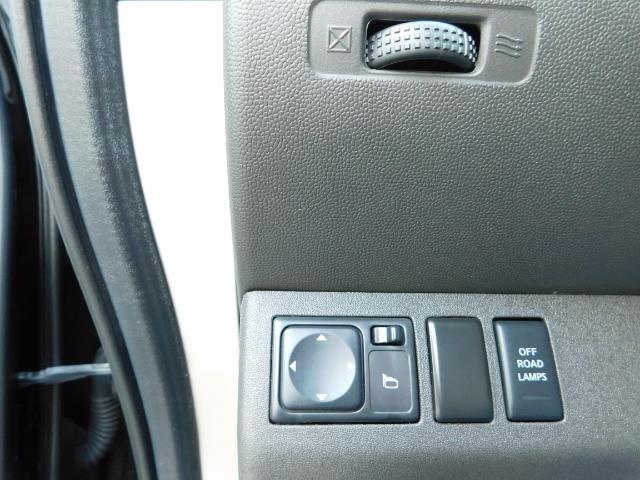 2011 Nissan Xterra PRO-4X / 4X4 / Leather / DIFF LOCKS / Excel Cond - Photo 22 - Portland, OR 97217