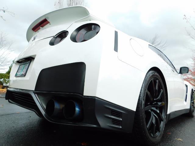 2015 Nissan GT-R Premium / AWD / Navi / 700-750 HP / Excel Cond - Photo 10 - Portland, OR 97217