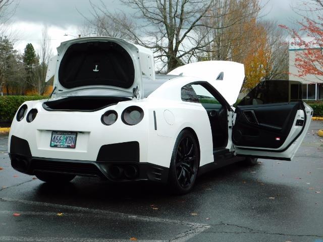 2015 Nissan GT-R Premium / AWD / Navi / 700-750 HP / Excel Cond - Photo 29 - Portland, OR 97217
