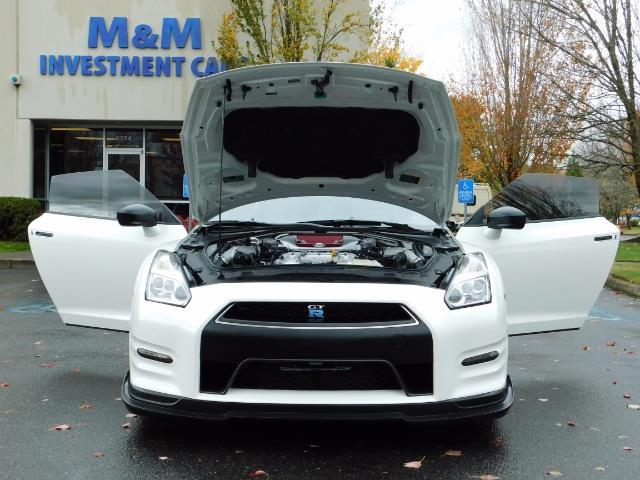 2015 Nissan GT-R Premium / AWD / Navi / 700-750 HP / Excel Cond - Photo 31 - Portland, OR 97217