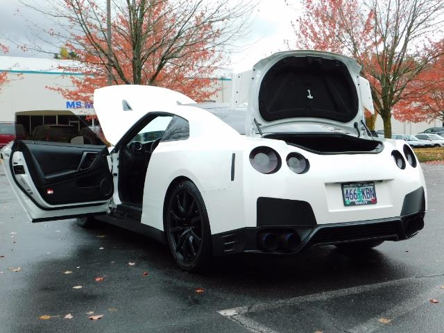2015 Nissan GT-R Premium / AWD / Navi / 700-750 HP / Excel Cond - Photo 27 - Portland, OR 97217