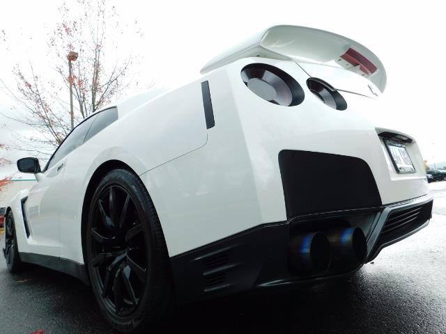 2015 Nissan GT-R Premium / AWD / Navi / 700-750 HP / Excel Cond - Photo 9 - Portland, OR 97217