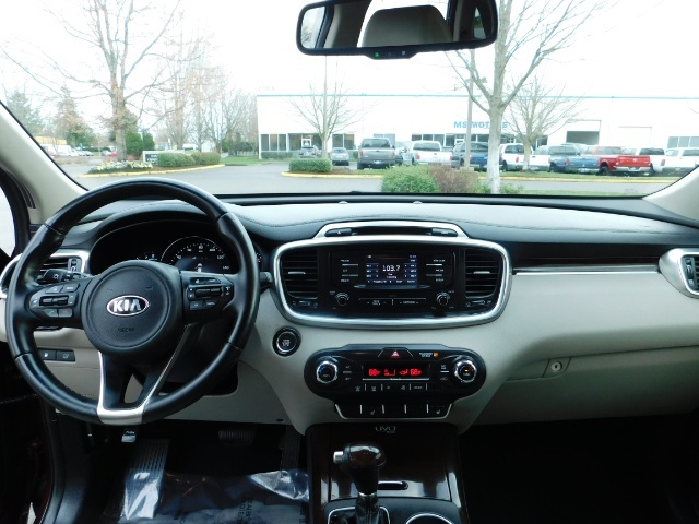 2016 Kia Sorento EX V6 / AWD / Leather/ 3RD Row Seat / 1-OWNER - Photo 36 - Portland, OR 97217