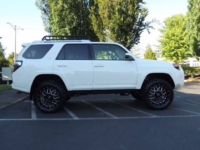 2016 Toyota 4Runner 4X4 / 3RD SEAT / REAR CAM / WARRANTY / LIFTED !! - Photo 4 - Portland, OR 97217